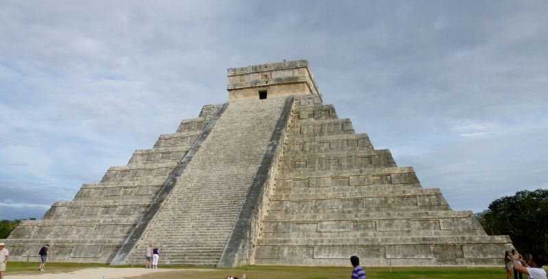 The iconic El Castillo at Chichen-Itza