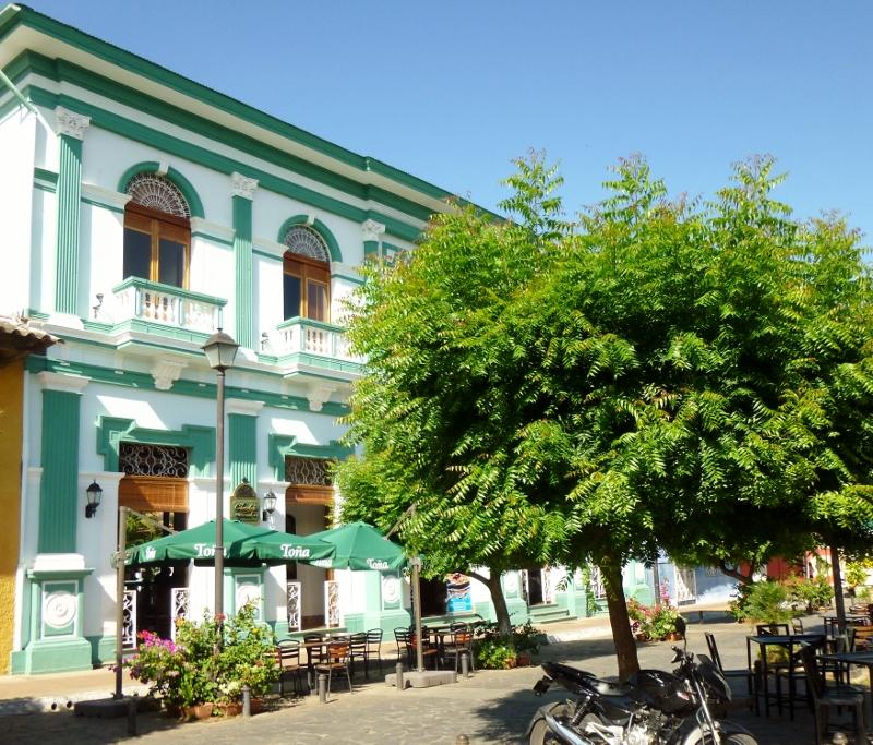 Hotel on Avenida Calzada