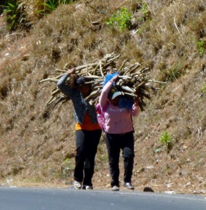 Wood gatherers north of Matagalpa,Nicaragua