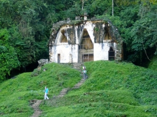 looks like Hansel & Gretel's cottage! Templo de la Cruz Foliada