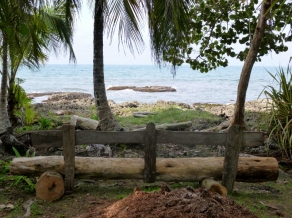 meditation spot to watch the sea at El Jardin Glorioso- Cahuita