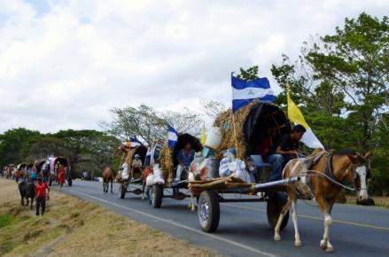 Easter Pilgrims to Popoyuapa - near Rivas