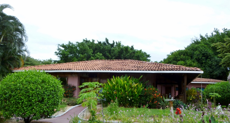 Tne main house