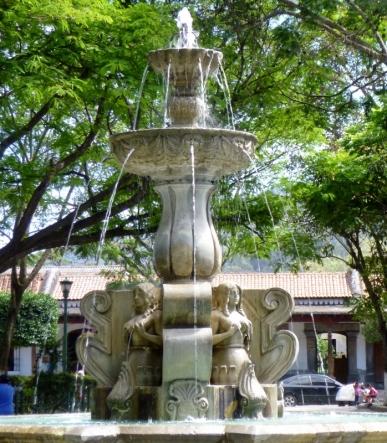 """Fountain in Parque Central (Four """"La Sirenas"""") Antigua"""
