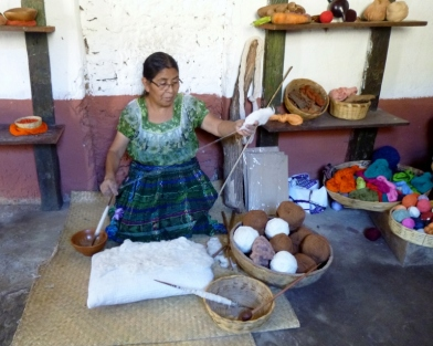 Making thread from cotton- San Juan La Laguna