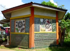 Bottle shop boutique - lovely mosaic at Little Corn Island