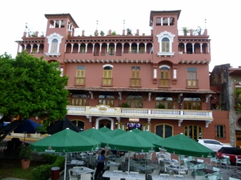 Casco Viejo Hotel Columbia and other businesses