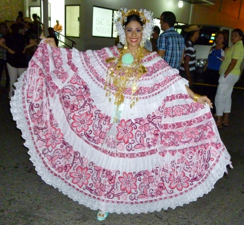 The Queen of the Pollera