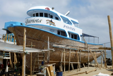 in dry dock, Manta Boatyard