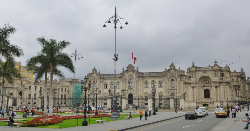 Armas Plaza and the Palacio Gubierno