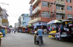 a street scene Saturday market - Manta