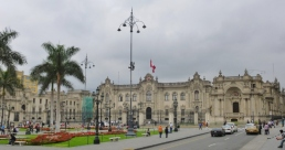 Armas Plaza and the Palacio Gubierno - Lima