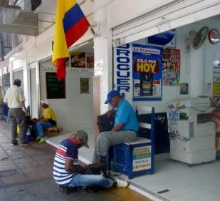 shoeshine man in Barrio Getsemani, Cartagena