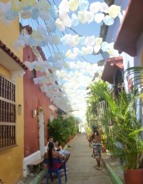 Callejon Angosto in Barrio Gatsemani; the plastic bag street - Cartagena
