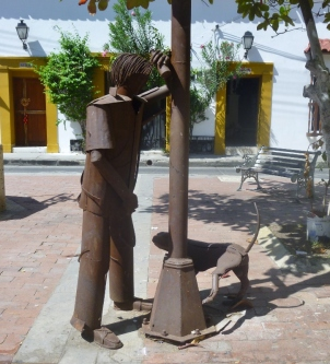 street sculpture in Barrio Getsemani, Cartagena