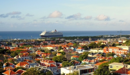 cruise ship at Willemstad