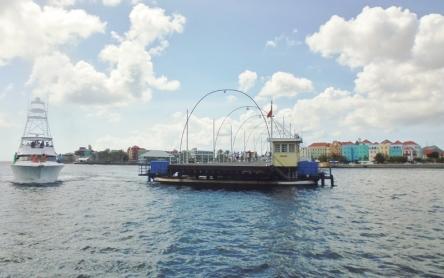 Punda District - Willemstad - Queen Emma Pontoon Bridge