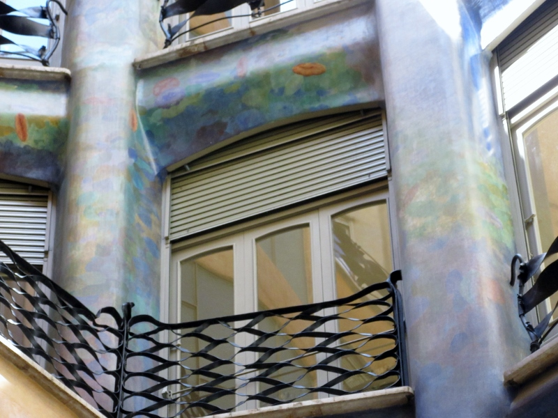 inside-outside balcony