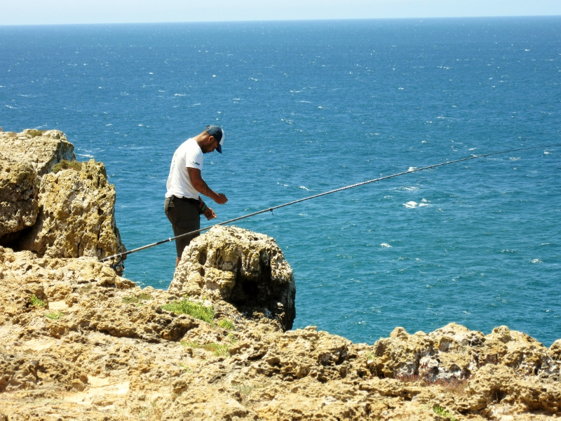 fisherman on cliffs - Promontorio de Sagres