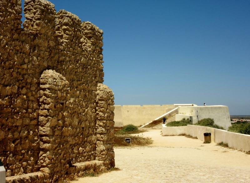 wall of cistern tower - Promontorio de Sagres