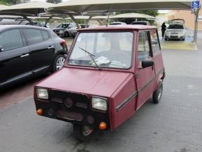 strange little car, Lagos, Portugal