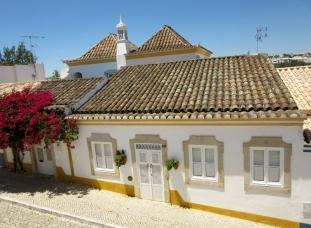 pretty houses and cobblestone streets - Tavira, Portugal