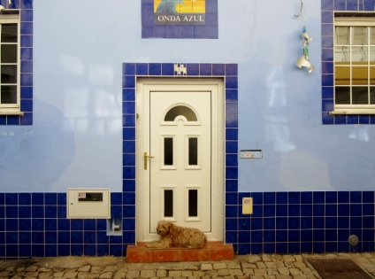 tile accents, Ferragudo. Portugal