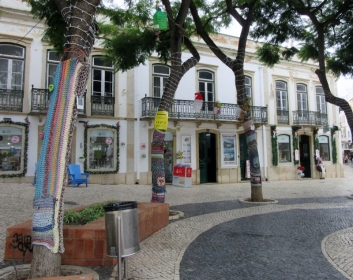 yarn bombing in Lagos, Portugal