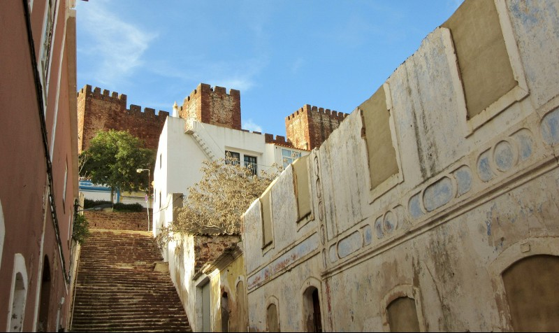 climbing up to Castle Silves