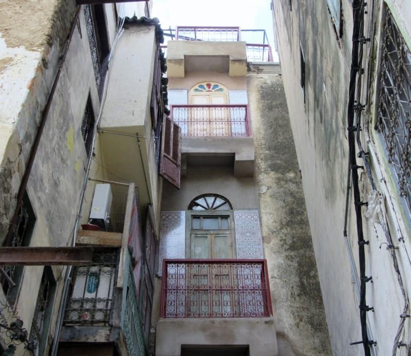 building details in Medina
