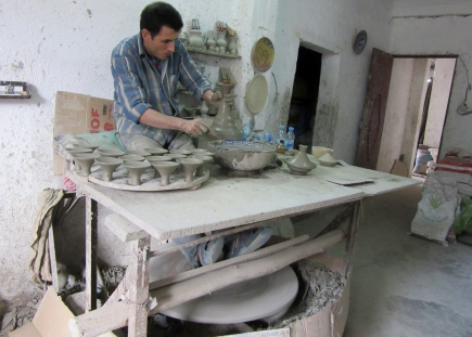 Potter making tagines. Fez, Morocco.