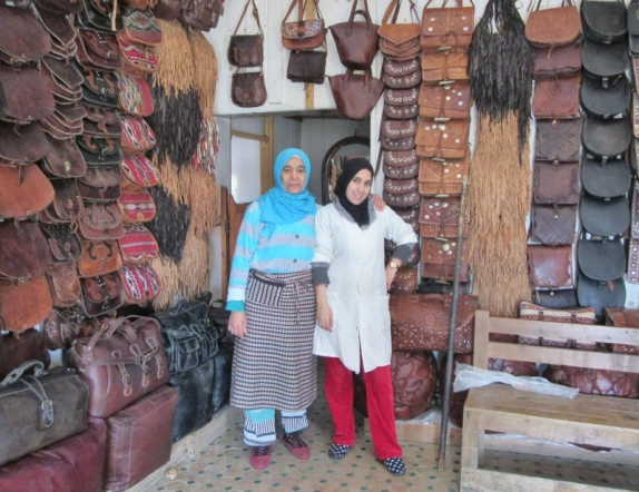 Morrocan leather shop by tannery, La Belle Vue de La Tannerie, Fez.