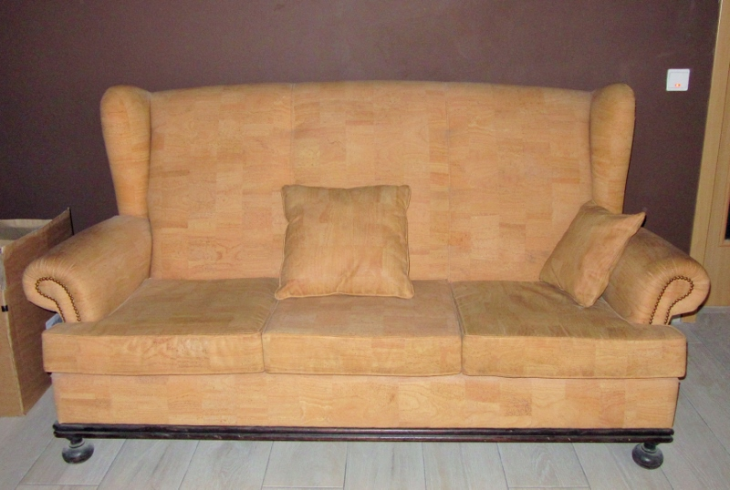 cork upholstered couch - Novacortica