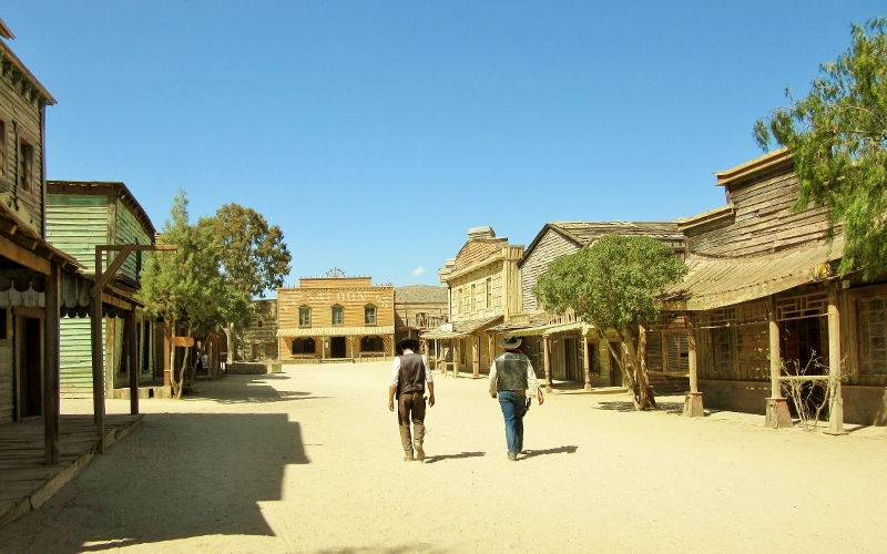 High noon at Fort Bravo, Texas Hollywood