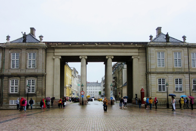 Copenhagen near the Amalienborg Palace, photo by noparticularplacetogo.net